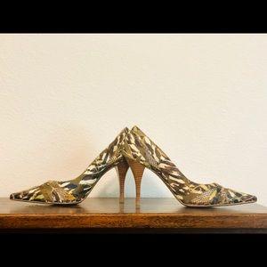 💯NWOT Naughty Monkey✨Camo Heels